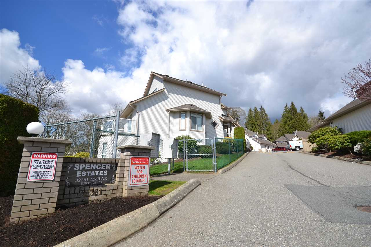 "Main Photo: 48 32361 MCRAE Avenue in Mission: Mission BC Townhouse for sale in ""SPENCER ESTATES"" : MLS®# R2153598"
