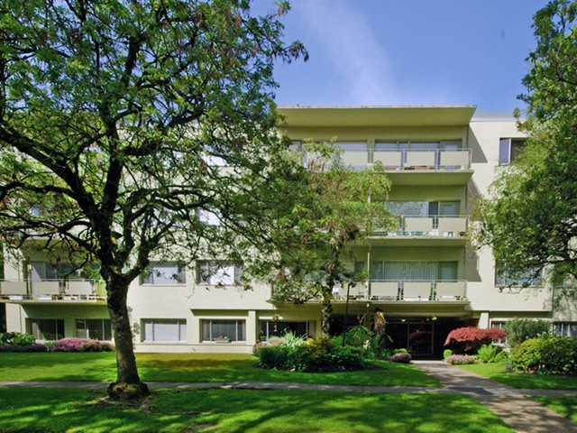 "Main Photo: 203 5475 VINE Street in Vancouver: Kerrisdale Condo for sale in ""Vinecrest Manor"" (Vancouver West)  : MLS® # V1062495"