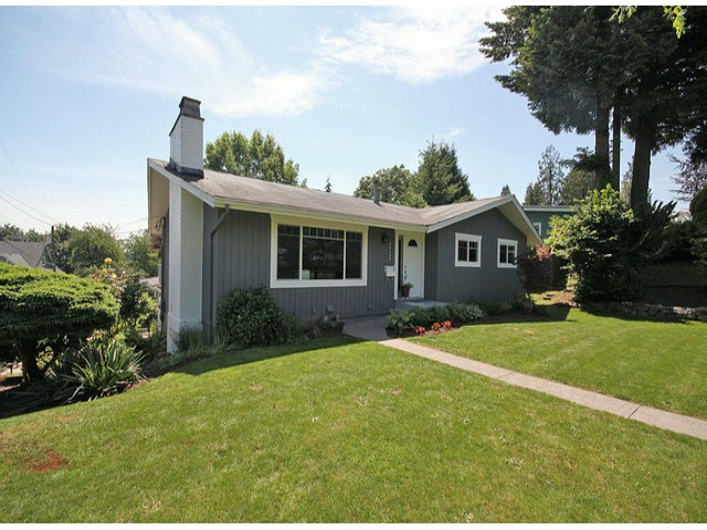 FEATURED LISTING: 34164 FRASER Street Abbotsford