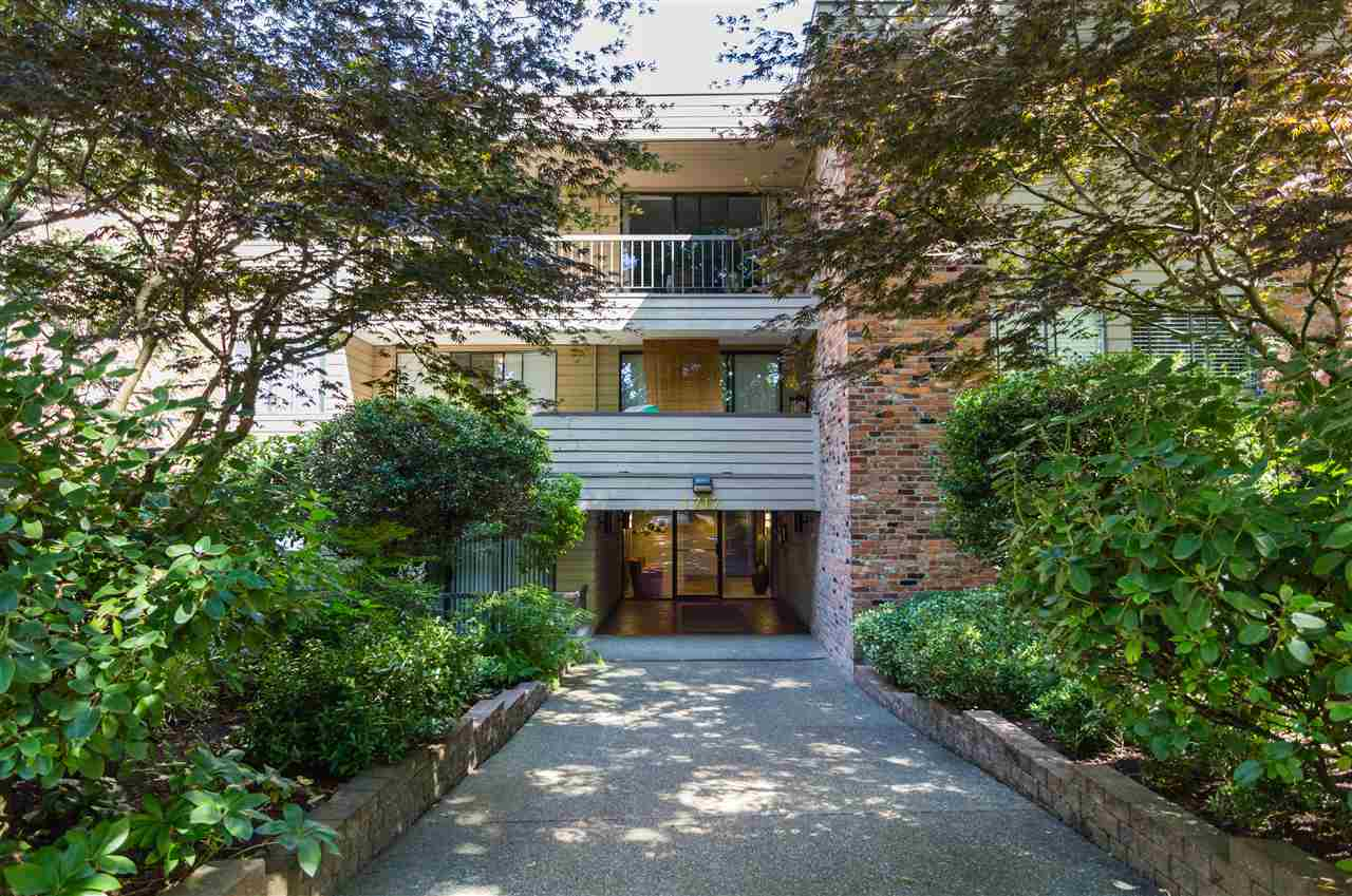 Main Photo: 214 1717 W 13TH Avenue in Vancouver: Fairview VW Condo for sale (Vancouver West)  : MLS® # R2191008