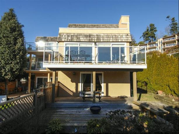"Main Photo: 14996 BEACHVIEW Avenue: White Rock House for sale in ""WHITE ROCK HILLSIDE"" (South Surrey White Rock)  : MLS® # F1402160"