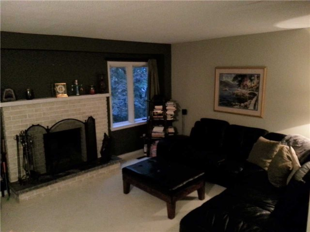 Photo 4: 1270 Cornerbrook Place in Mississauga: Erindale House (3-Storey) for lease : MLS® # W3621268