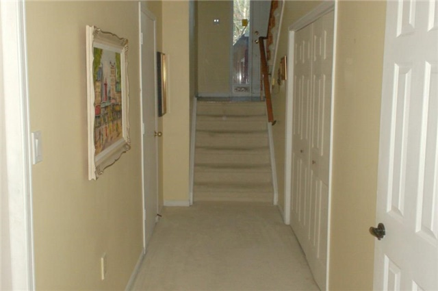 Photo 2: 1270 Cornerbrook Place in Mississauga: Erindale House (3-Storey) for lease : MLS® # W3621268