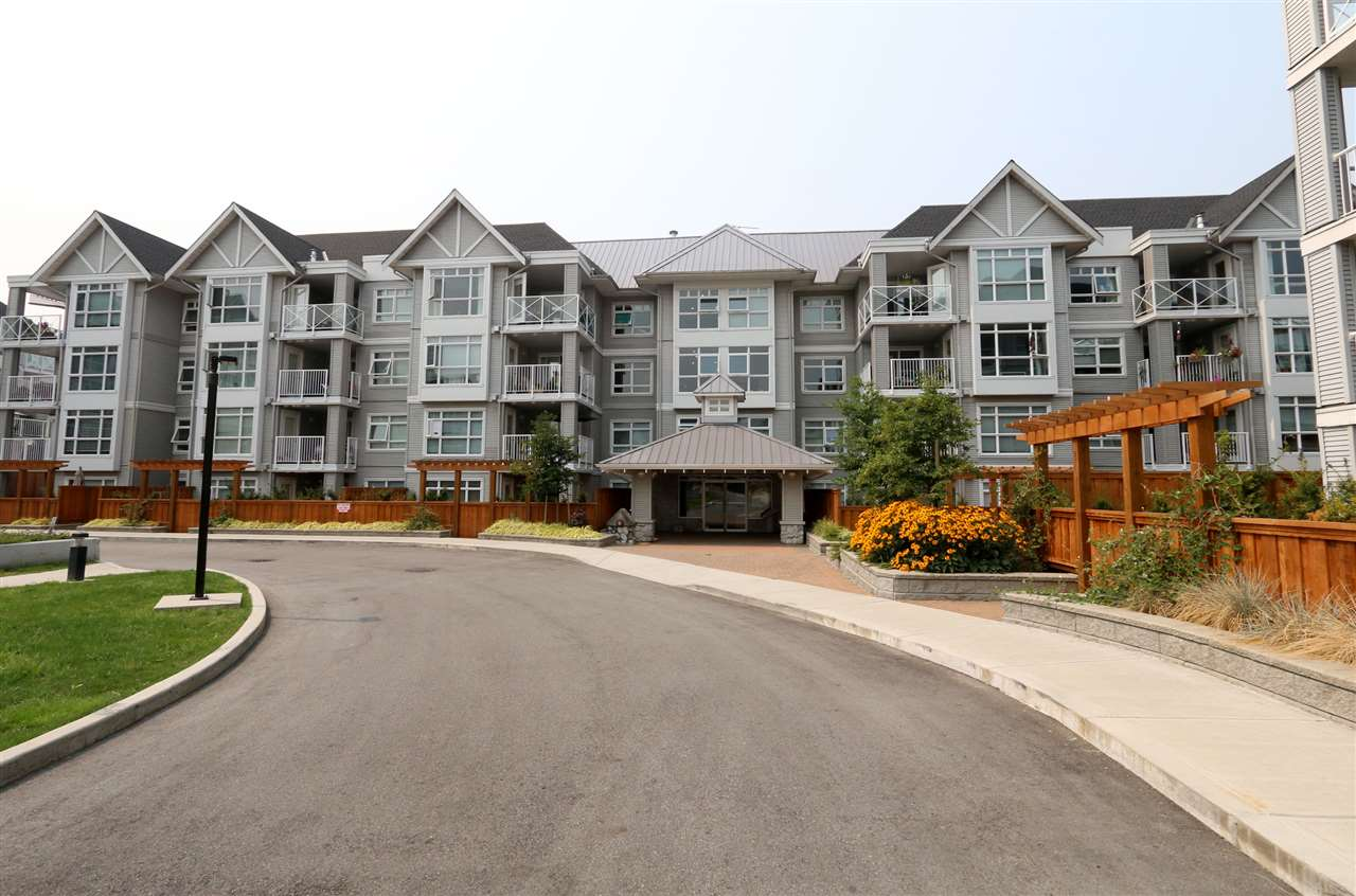 "Main Photo: 312 3136 ST. JOHNS Street in Port Moody: Port Moody Centre Condo for sale in ""SONRISA"" : MLS® # R2197549"