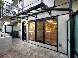 "Main Photo: 1272 W 7TH Avenue in Vancouver: Fairview VW Townhouse for sale in ""Seventh Heaven"" (Vancouver West)  : MLS® # R2204233"