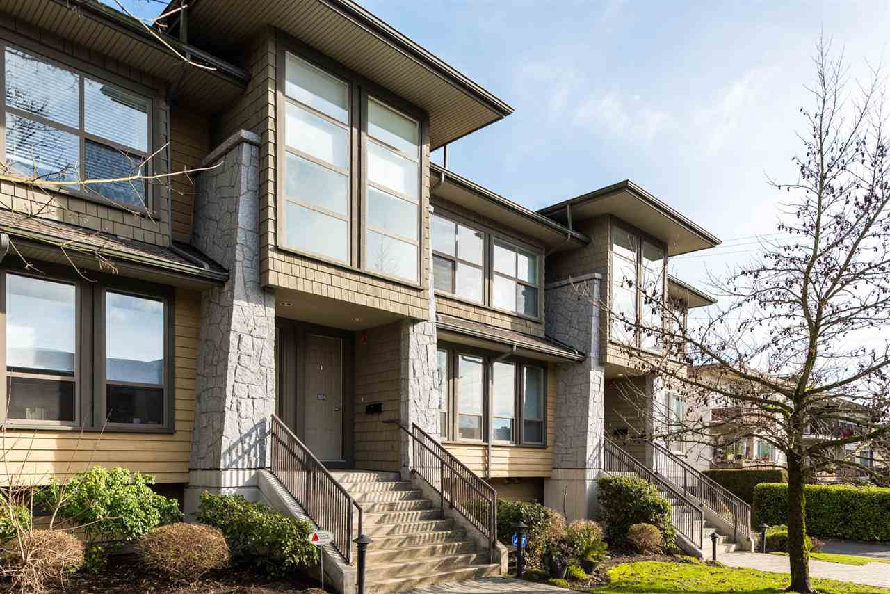 "Main Photo: 1654 ST. GEORGES Avenue in North Vancouver: Central Lonsdale Townhouse for sale in ""CHEHALIS"" : MLS®# R2241101"