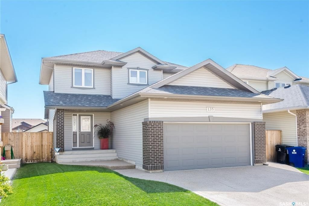Main Photo: 135 Levalley Cove in Saskatoon: Stonebridge Residential for sale : MLS®# SK740806