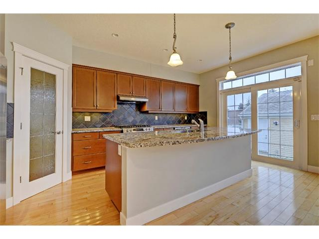 Photo 10: 176 MIKE RALPH Way SW in Calgary: Garrison Green House for sale : MLS® # C4091127