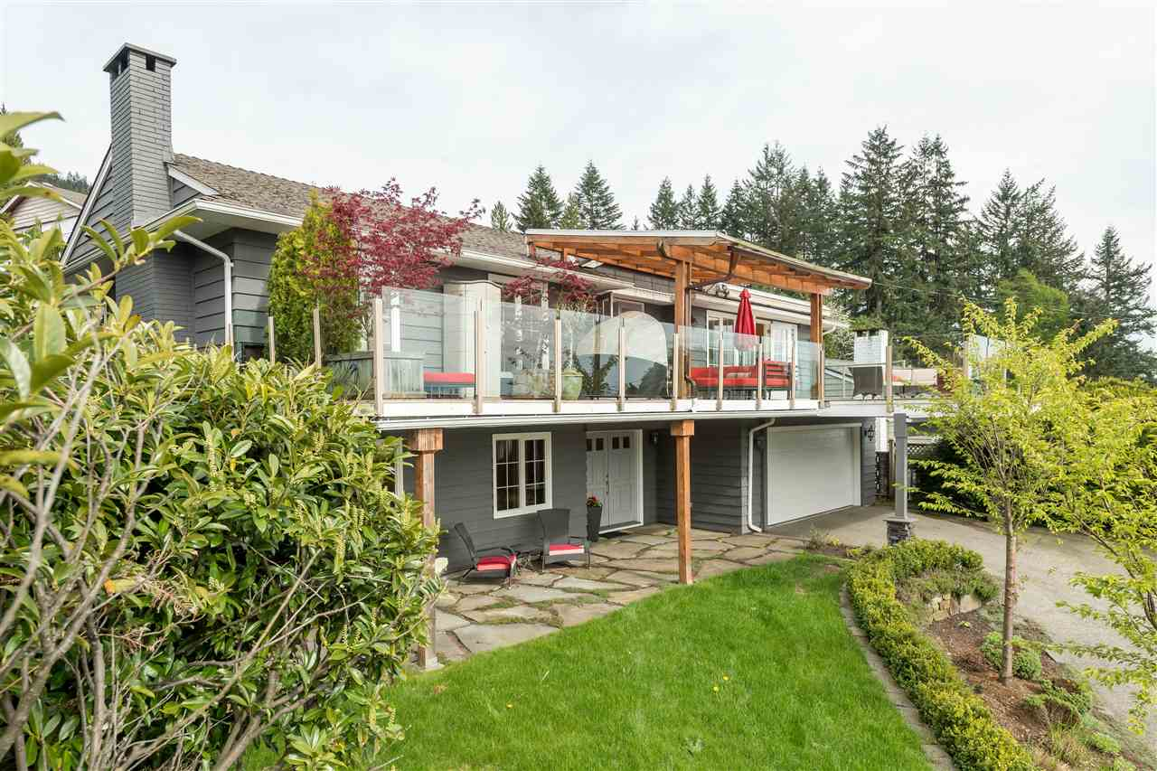 Main Photo: 380 VENTURA Crescent in North Vancouver: Upper Delbrook House for sale : MLS®# R2166163