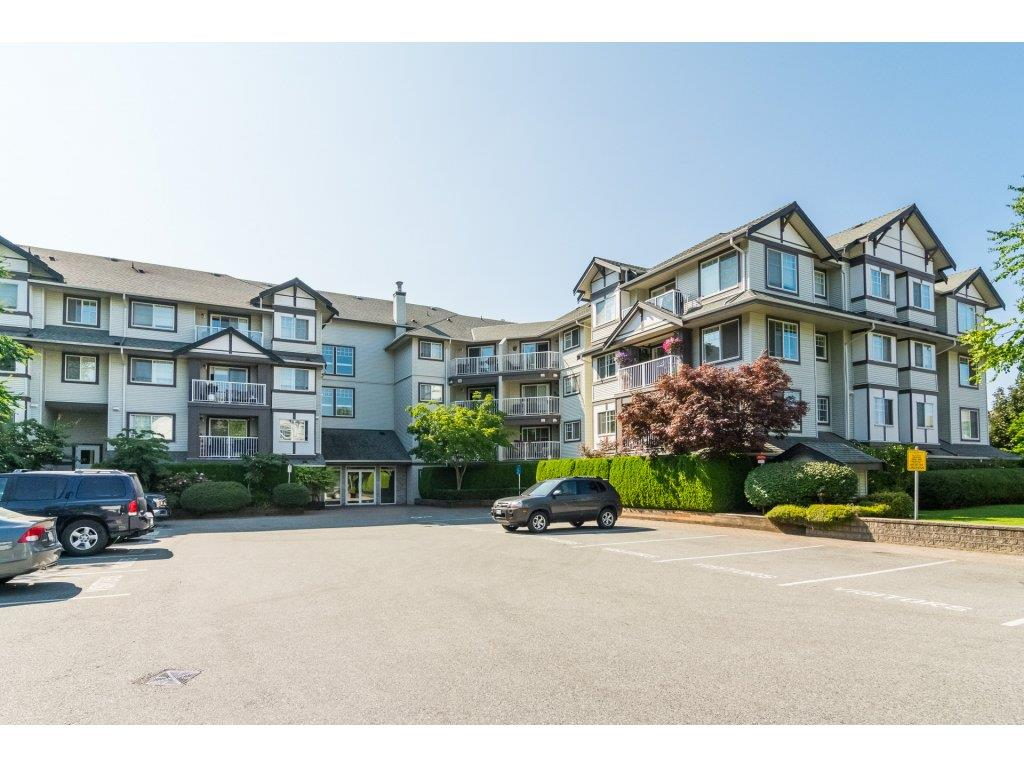 "Main Photo: 104 19320 65 Avenue in Surrey: Clayton Condo for sale in ""ESPRIT"" (Cloverdale)  : MLS®# R2293773"