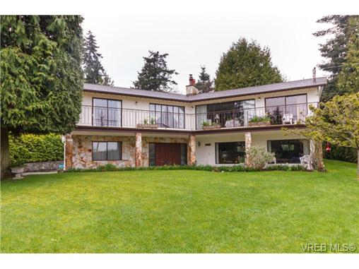 FEATURED LISTING: 8526 Lochside Dr NORTH SAANICH