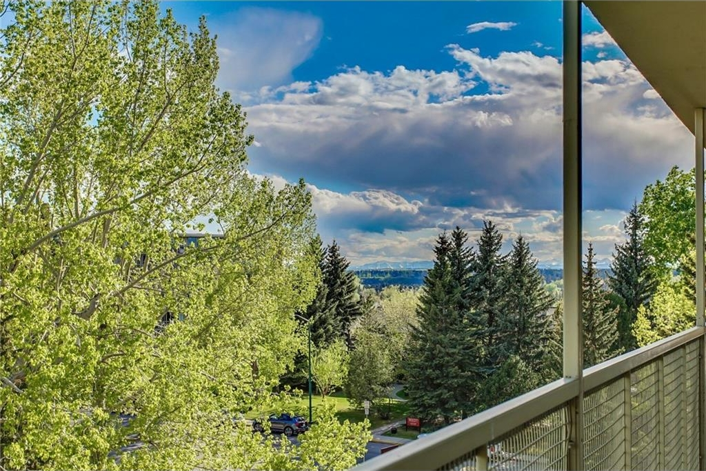 Main Photo: 608-609 3232 RIDEAU Place SW in Calgary: Rideau Park Condo for sale : MLS(r) # C4129759