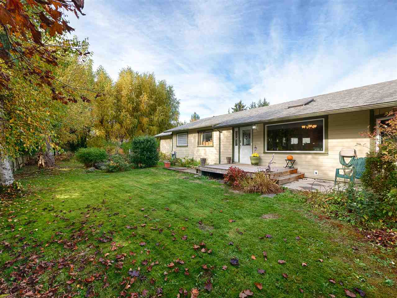 "Main Photo: 1280 FITCHETT Road in Gibsons: Gibsons & Area House for sale in ""Cedar Grove"" (Sunshine Coast)  : MLS® # R2222103"