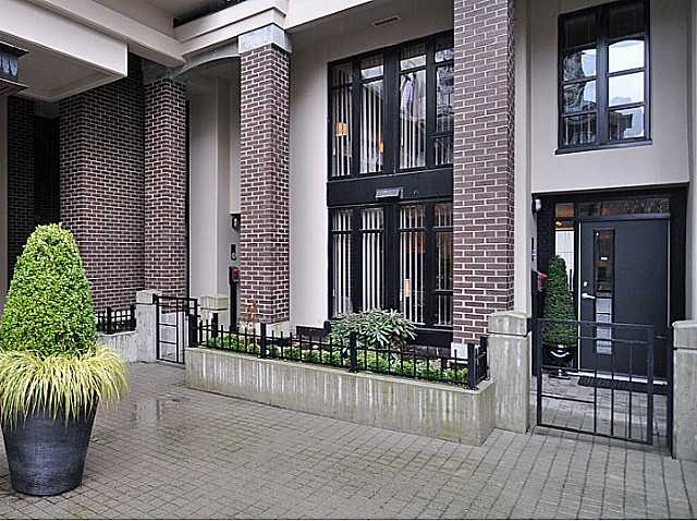 FEATURED LISTING: TH2 - 155 1ST Street West North Vancouver