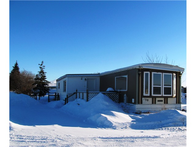 Main Photo: 130 10420 96TH Avenue in Fort St. John: Fort St. John - Rural W 100th Manufactured Home for sale (Fort St. John (Zone 60))  : MLS®# N233021
