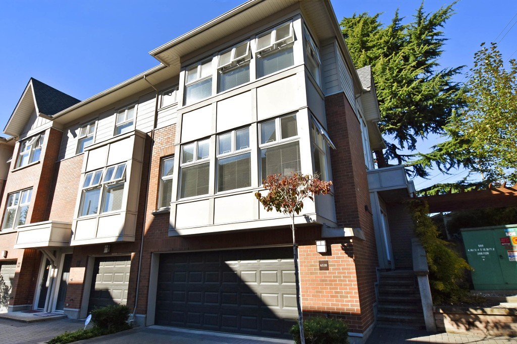 "Main Photo: 6538 ARBUTUS Street in Vancouver: S.W. Marine Townhouse for sale in ""BANNISTER MEWS"" (Vancouver West)  : MLS®# R2004770"
