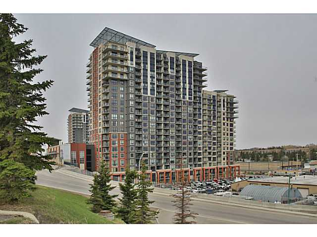 Excellent location, across from Heritage LRT and just off MacLeod Trail
