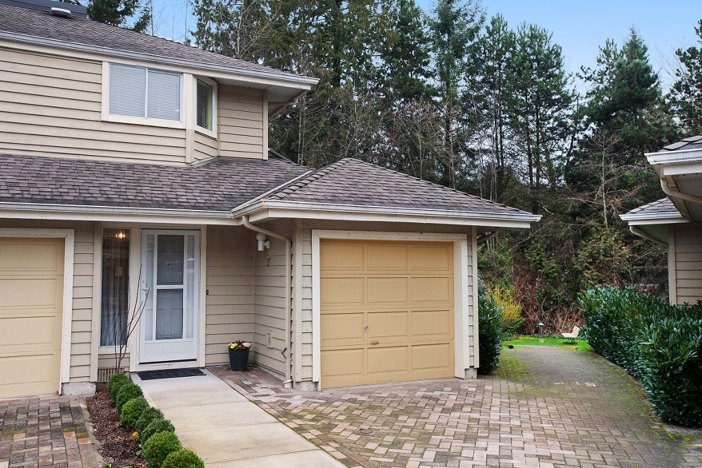 "Photo 1: 15 3634 GARIBALDI Drive in North Vancouver: Roche Point Townhouse for sale in ""BROOKSIDE"" : MLS® # V1106643"