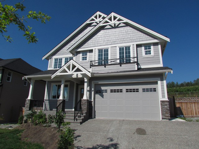 "Main Photo: 2305 CHARDONNAY Lane in Abbotsford: Aberdeen House for sale in ""Pepinbrook Estates"" : MLS® # F1440169"