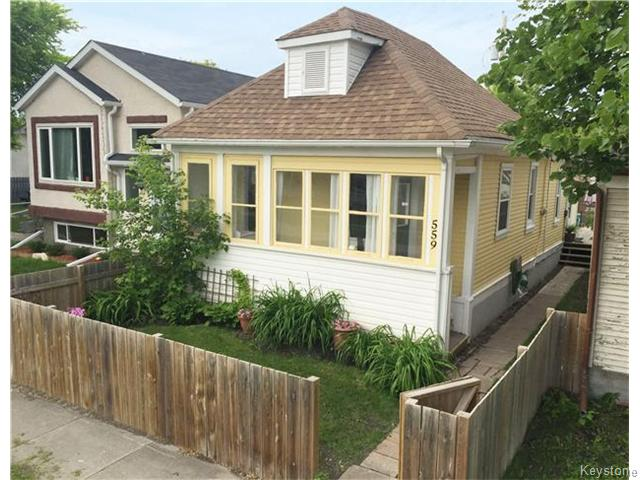 FEATURED LISTING: 559 Larsen Avenue Winnipeg