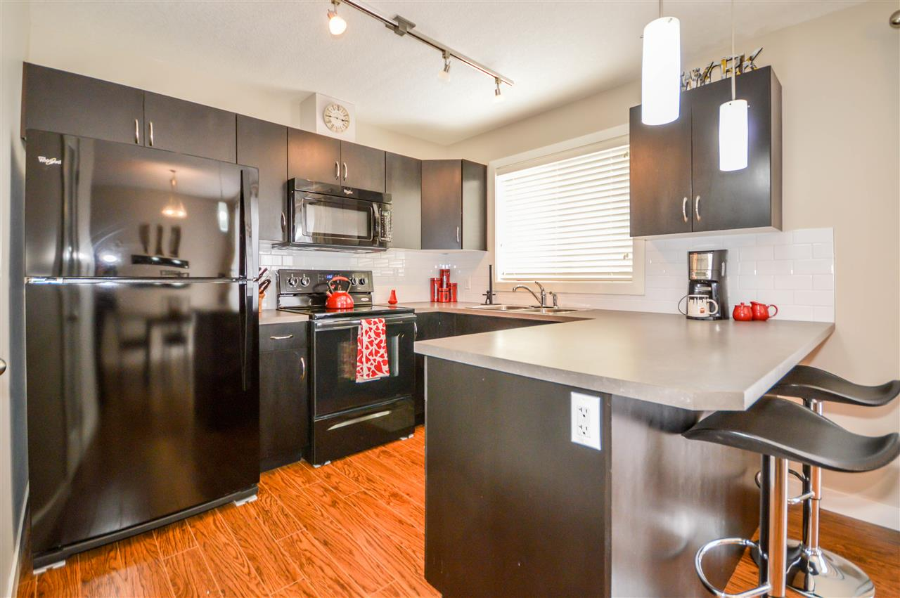 Main Photo: 37 7289 South Terwillegar Drive in Edmonton: Zone 14 Townhouse for sale : MLS® # E4072844