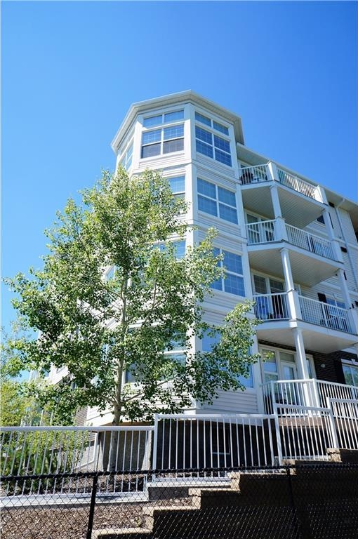 Main Photo: #301 1 Crystal Green LN: Okotoks Condo for sale : MLS®# C4125513