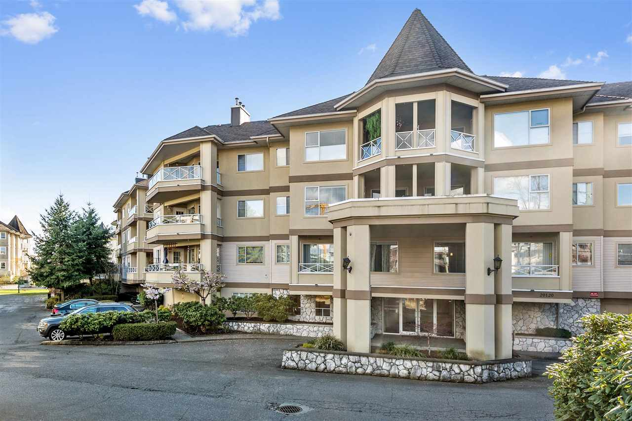 "Main Photo: 113 20120 56 Avenue in Langley: Langley City Condo for sale in ""Blackberry Lane"" : MLS®# R2257518"