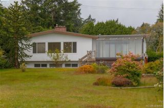 Main Photo: 8591 Lochside Drive in NORTH SAANICH: NS Bazan Bay Single Family Detached for sale (North Saanich)  : MLS®# 394098