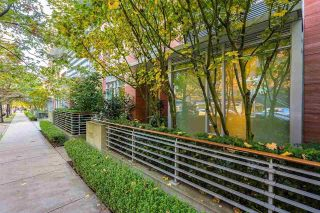 "Main Photo: 1163 W CORDOVA Street in Vancouver: Coal Harbour Townhouse for sale in ""One Harbour Green"" (Vancouver West)  : MLS®# R2314761"
