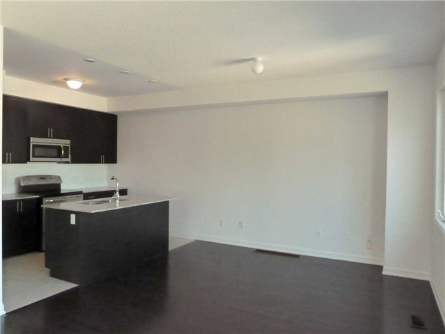 Photo 3: 145 165 Hampshire Way in Milton: Dempsey Condo for lease : MLS® # W3608312
