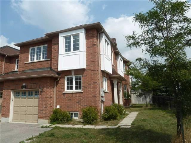 Main Photo: 6109 Wind Fleet Crest in Mississauga: East Credit House (2-Storey) for lease : MLS® # W3639527