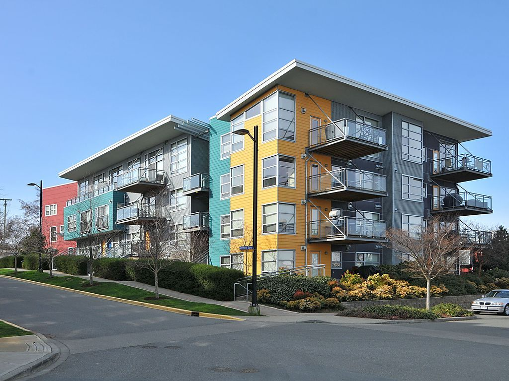 Main Photo: 104 90 Regatta Landing in VICTORIA: VW Victoria West Condo Apartment for sale (Victoria West)  : MLS® # 375400