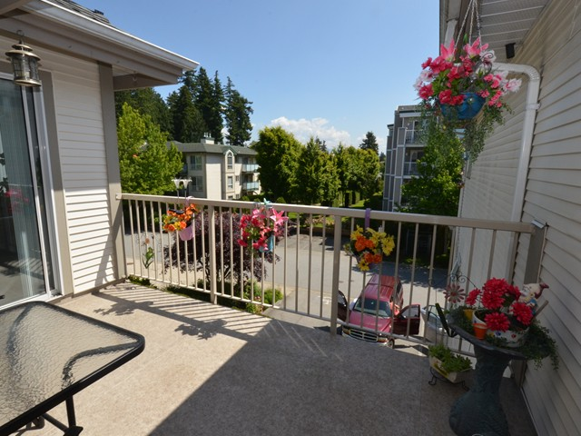 "Main Photo: 310 19122 122ND Avenue in Pitt Meadows: Central Meadows Condo for sale in ""EDGEWOOD MANOR"" : MLS®# V1069854"