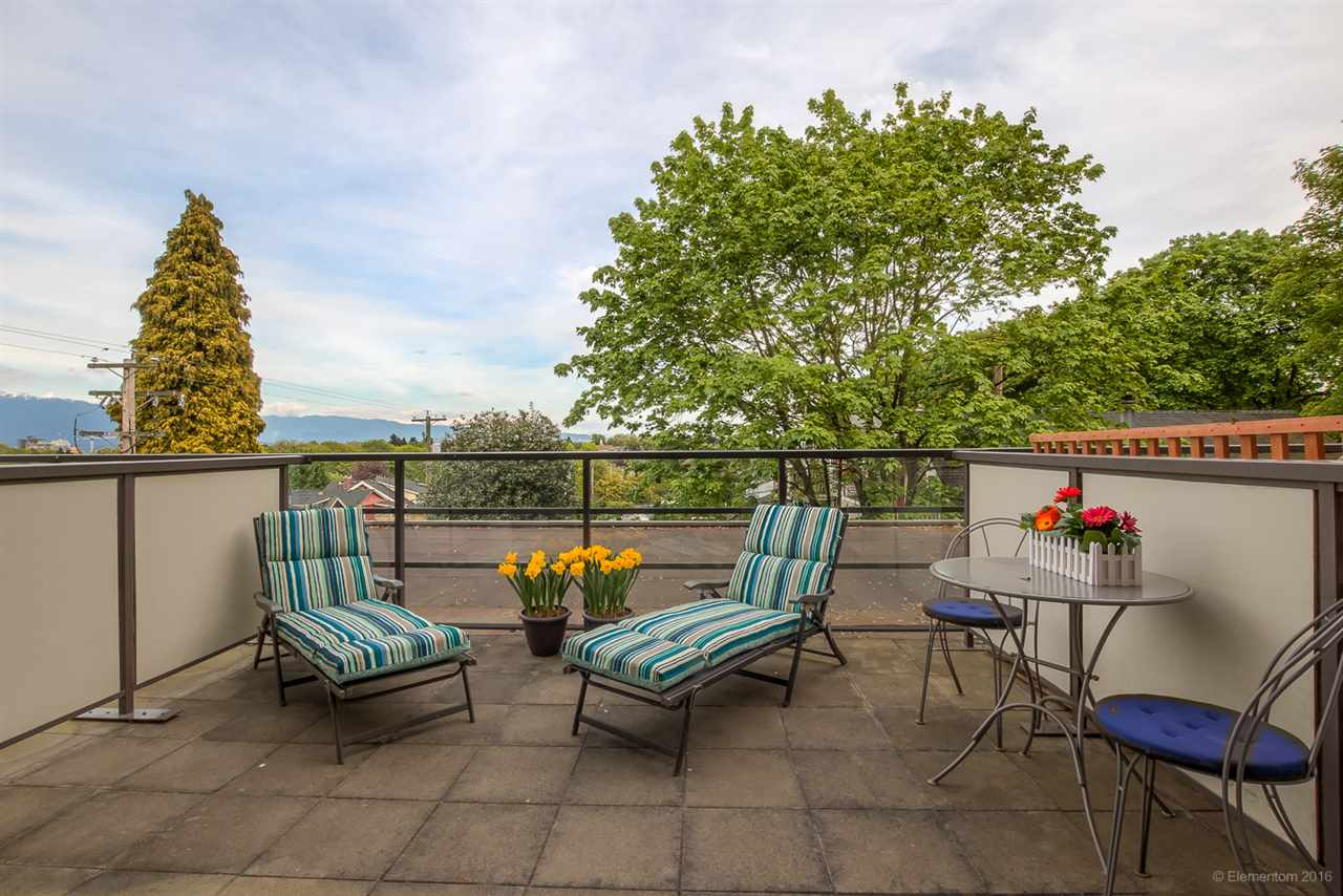 FEATURED LISTING: 305 - 997 22ND Avenue West Vancouver
