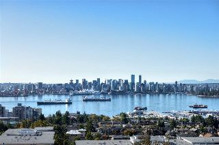 "Main Photo: 904 1320 CHESTERFIELD Avenue in North Vancouver: Central Lonsdale Condo for sale in ""Vista Place"" : MLS® # R2212253"
