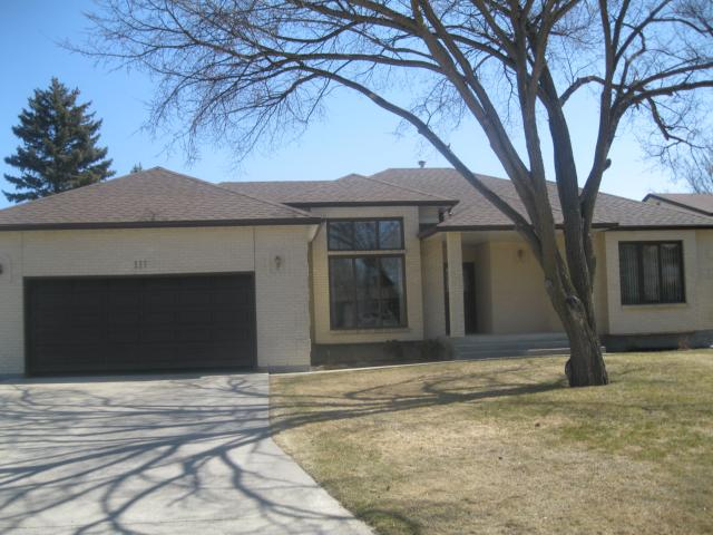 FEATURED LISTING: 111 CARLOTTA Crescent WINNIPEG