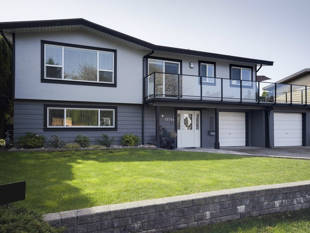 Main Photo: 19744 115A Avenue in Pitt Meadows: South Meadows House for sale : MLS® # V1118317