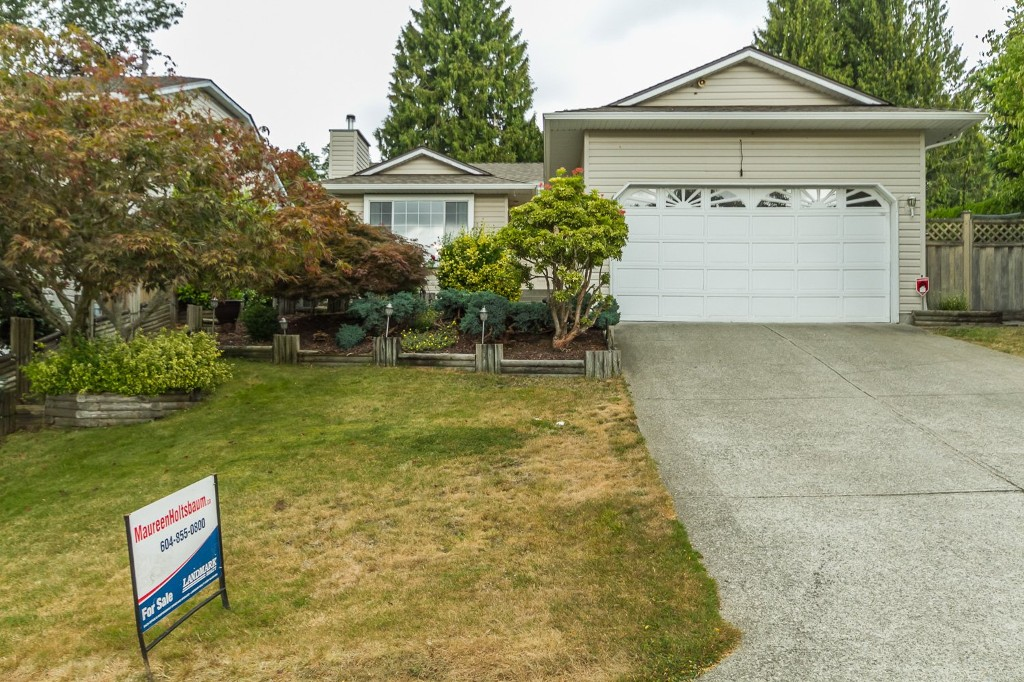 Main Photo: 32311 W BOBCAT Drive in Mission: Mission BC House for sale : MLS®# R2102128