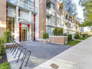 "Main Photo: 503 2033 W 10TH Avenue in Vancouver: Kitsilano Condo for sale in ""WEST 10TH & MAPLE"" (Vancouver West)  : MLS® # R2220719"