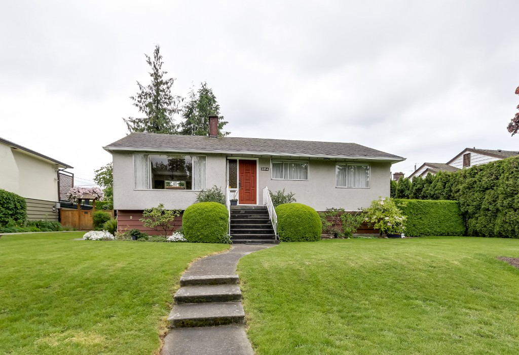 FEATURED LISTING: 3814 DUBOIS Street Burnaby
