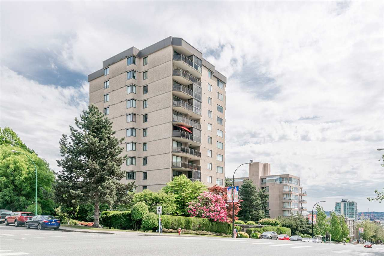 "Main Photo: 605 444 LONSDALE Avenue in North Vancouver: Lower Lonsdale Condo for sale in ""ROYAL KENSINGTON"" : MLS(r) # R2175952"