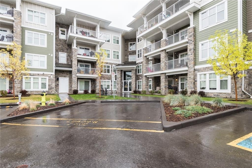 Main Photo: 2414 11 MAHOGANY Row SE in Calgary: Mahogany Condo for sale : MLS® # C4139009