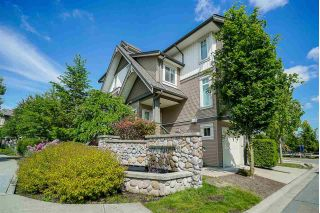 "Main Photo: 31 8250 209B Street in Langley: Willoughby Heights Townhouse for sale in ""OUTLOOK"" : MLS®# R2282110"