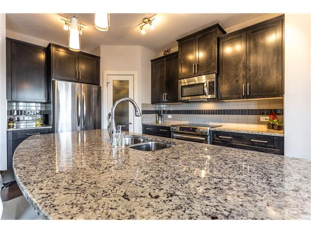 Photo 7: 221 EVANSPARK Gardens NW in Calgary: Evanston House for sale : MLS® # C4108136