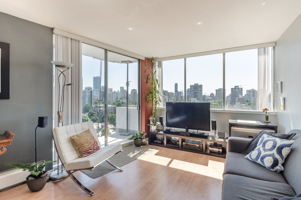 "Main Photo: 2105 1251 CARDERO Street in Vancouver: West End VW Condo for sale in ""THE SURFCREST"" (Vancouver West)  : MLS® # R2190584"