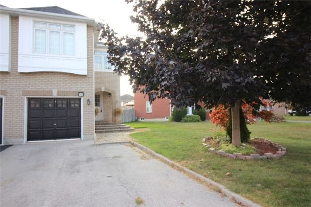 Main Photo: 1343 Inuit Trail in Mississauga: Meadowvale Village House (2-Storey) for lease : MLS®# W3934463