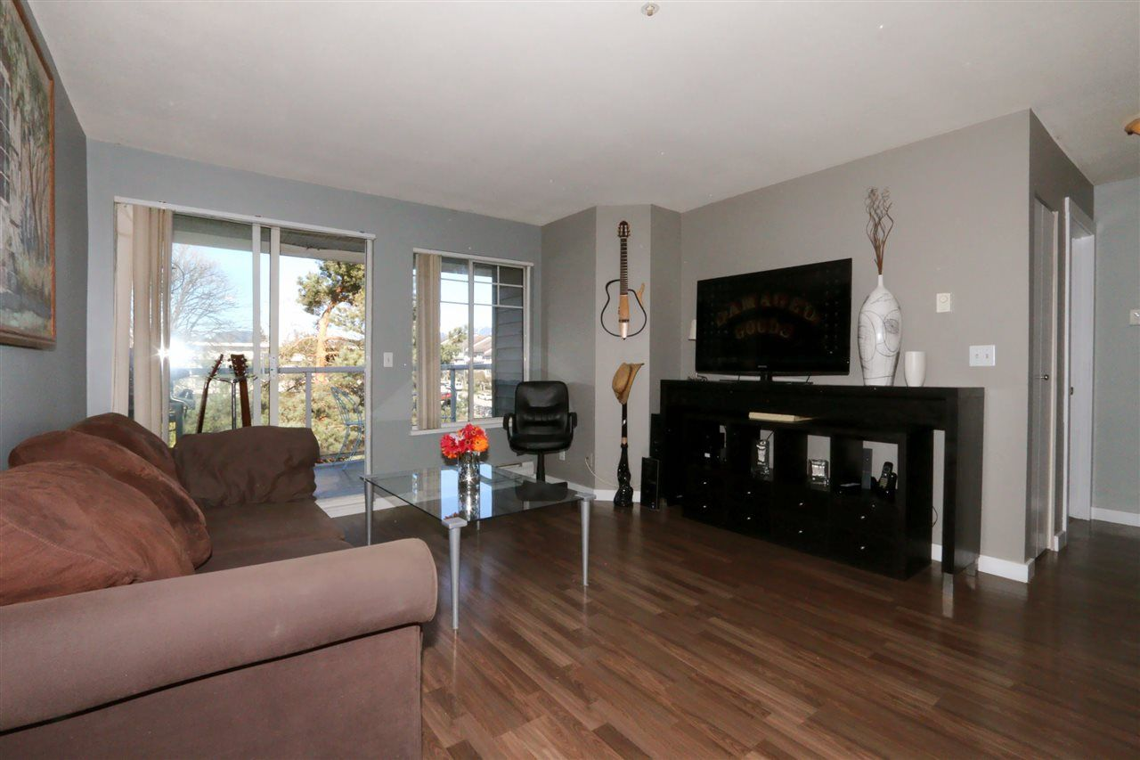 Main Photo: 502 11671 FRASER STREET in Maple Ridge: East Central Condo for sale : MLS®# R2247595