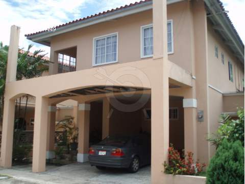 Main Photo:  in El Doral: House for sale