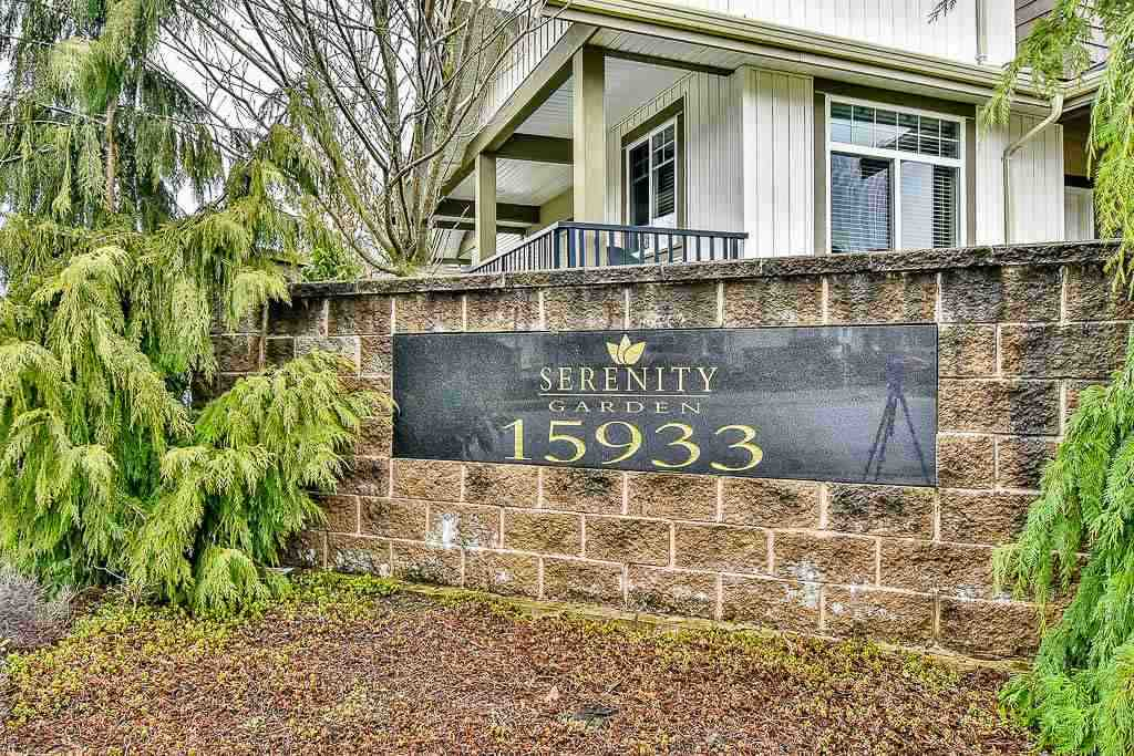 "Main Photo: 33 15933 86A Avenue in Surrey: Fleetwood Tynehead Townhouse for sale in ""Serenity Garden"" : MLS®# R2160098"