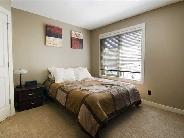 Photo 15: 11 Spring Willow Way SW in CALGARY: Springbank Hill Residential Detached Single Family for sale (Calgary)  : MLS® # C3471244